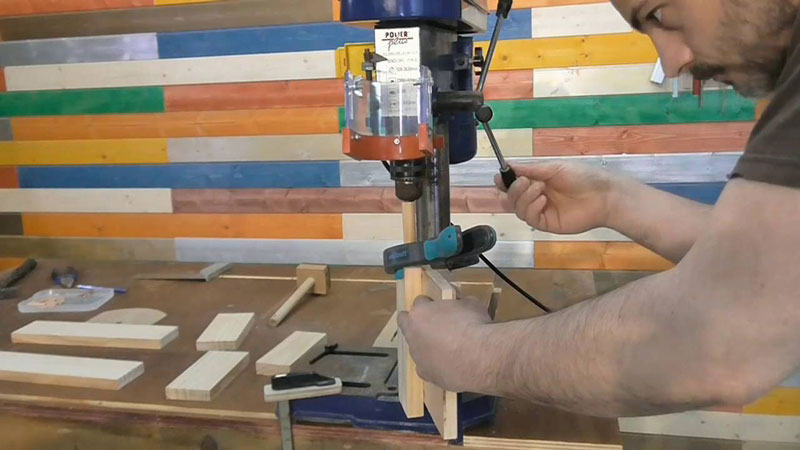 When Do You Use a Drill Press And a Router