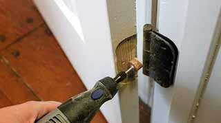Safety Issues That You Should Take Care While Cutting Out Door Hinge