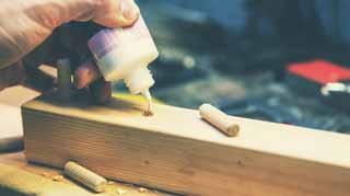 What-to-Look-for-while-Choosing-Wood-Glue