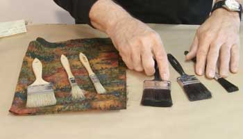 How-To-Choose-Right-Brush-For-Staining-Wood
