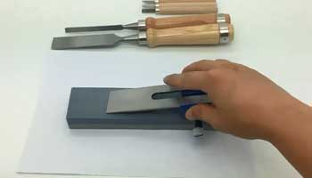 What is the Angle At Which Chisels Should Be Honed