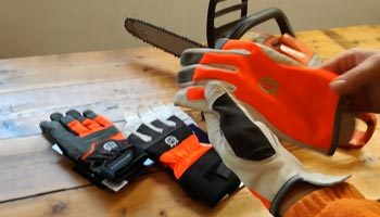 Chainsaw Gloves Buying Guide for Newbies