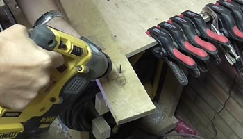 Removing Pallet Nails With An SDS Hammer Drills